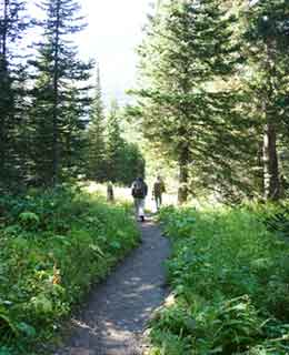 Trail to Lake Grinnell