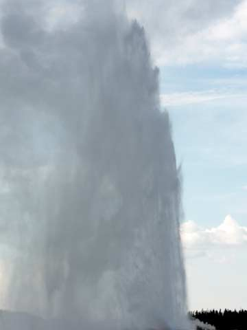 Old Faithful full eruption.